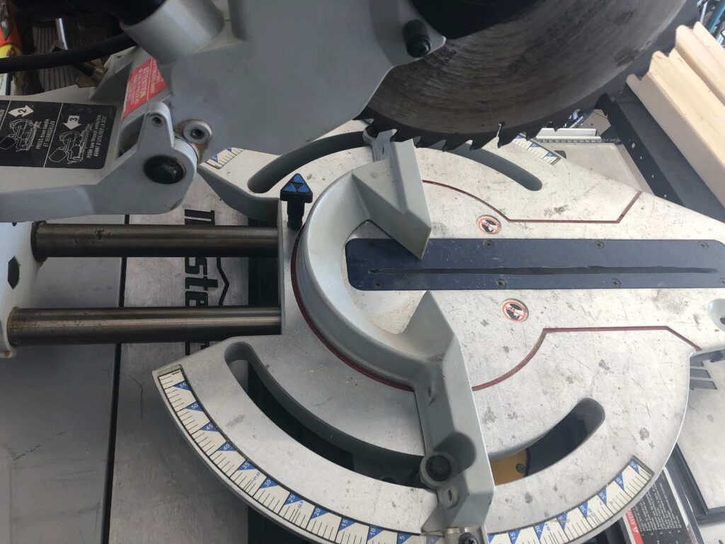 advantages of a sliding miter saw