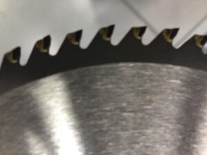 how to know if a miter saw blade has gone bad