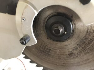 what is arbor size on a miter saw